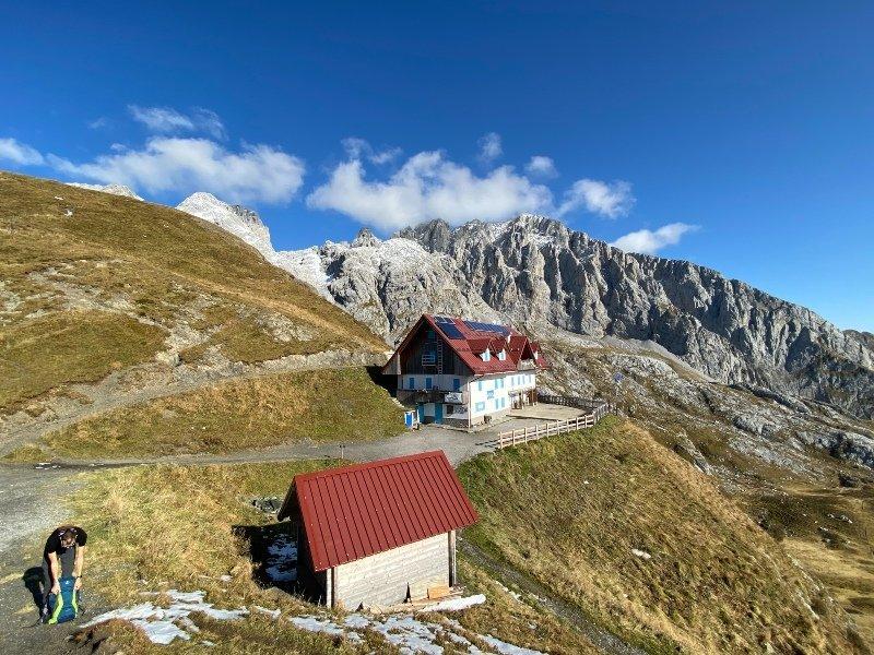 rifugio marinelli e le montagne