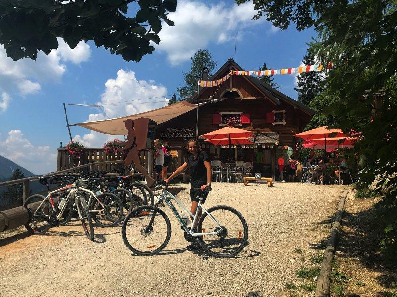 Rifugio zacchi in bicicletta da tarvisio