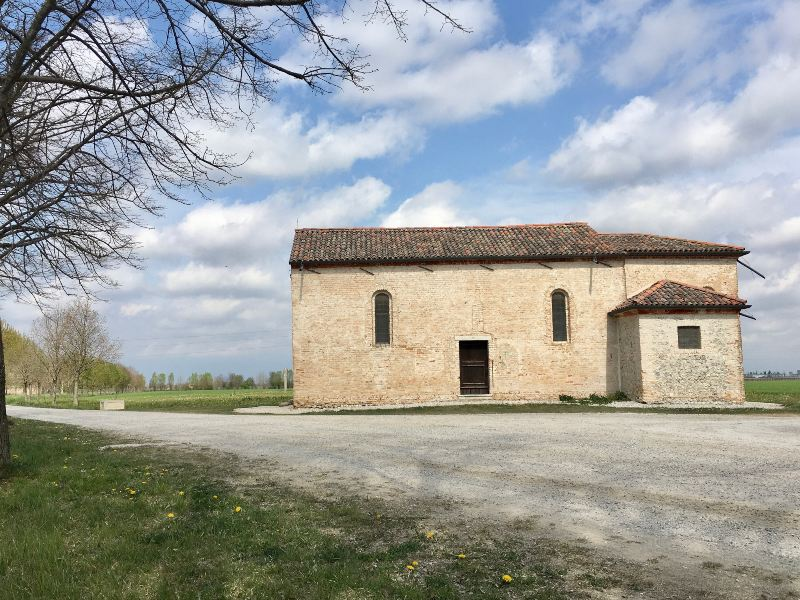 Vista sulla chiesa di San Girolamo a Marzinis