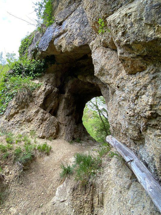Una galleria nella pietra a Pinzano