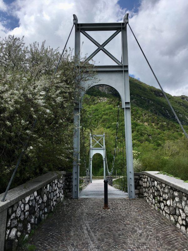 Ponte sul torrente