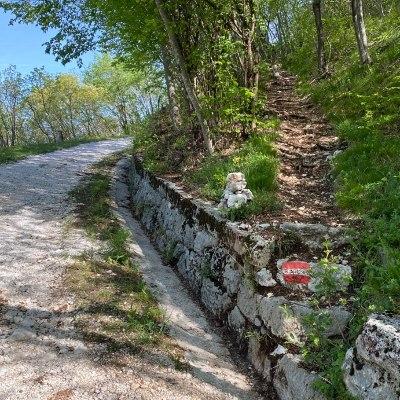 L'inizio del sentiero cai 838